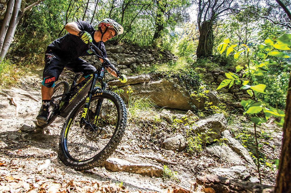 1c74265bf54 Electric Bike Action - October 2018 - Mountain Bike Vs. E-Mountain Bike