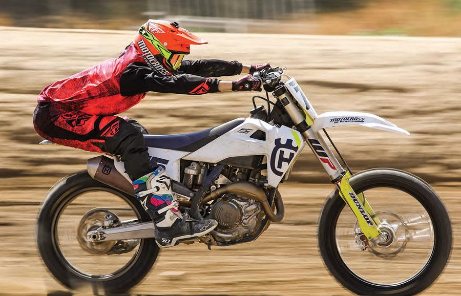 Motocross Action Magazine - December 2018 - 2019 MXA 450 Four-Stroke