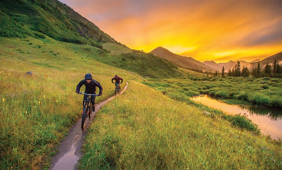 nate hills and sarah rawley riding