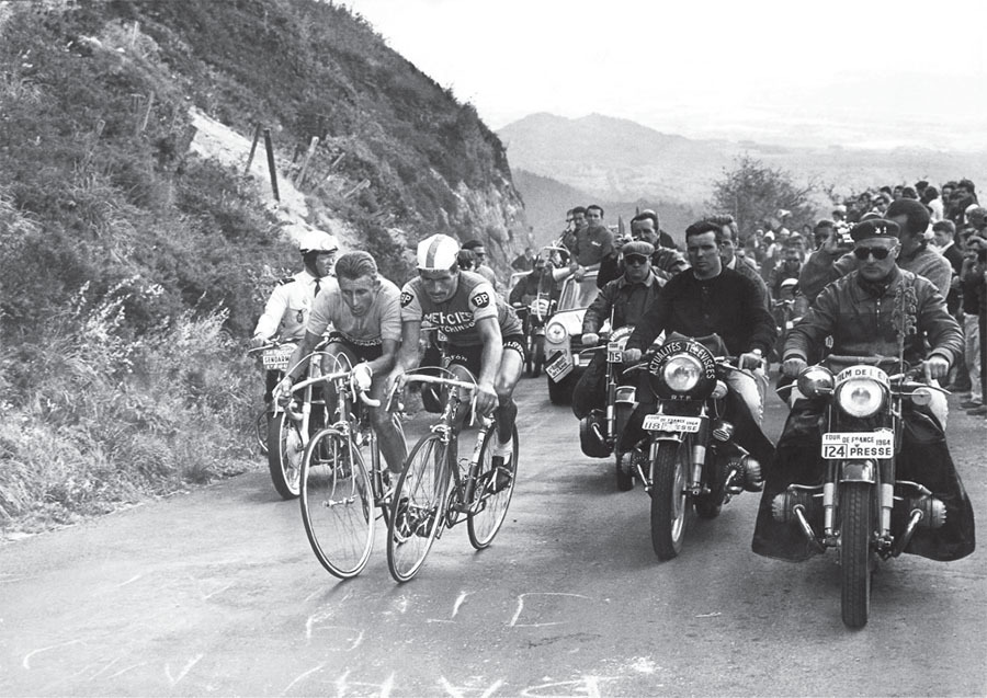 the duel on the puy de dome at the 1964 tour